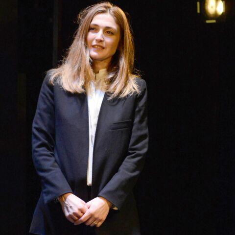 Julie Gayet, un costume de first lady du cinéma
