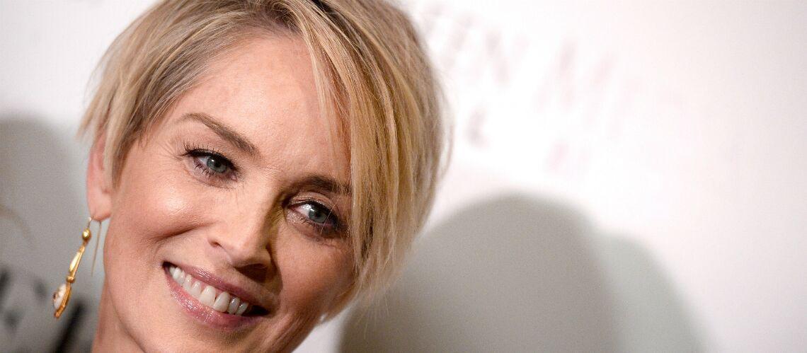 PHOTOS – A 59 ans, Sharon Stone s'affiche à moitié nue