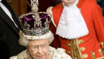 Elisabeth II sommée de rendre le joyau de sa couronne