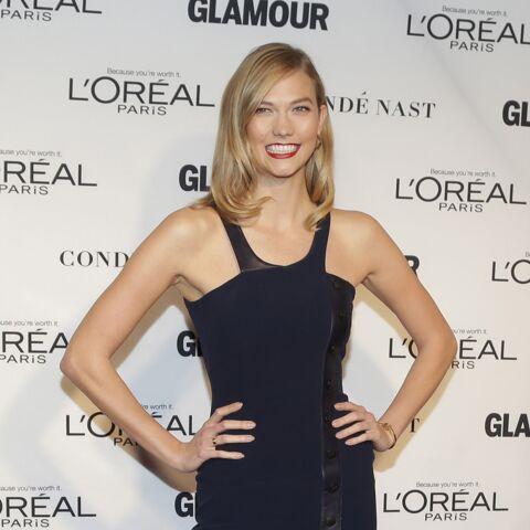Karlie Kloss, un ange aux Glamour Awards