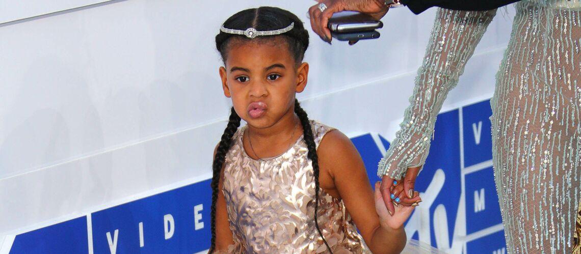 PHOTOS – Beyoncé: sa fille Blue Ivy lui vole la vedette dans une robe à 4200 euros