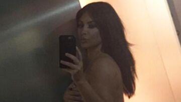 Kim Kardashian répond aux critiques par la nudité