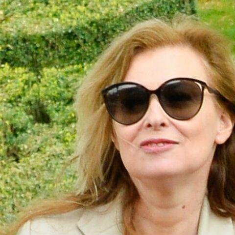 PHOTOS – Valérie Trierweiler en vacances: L'ex de François Hollande n'a pas l'air de regretter le fort de Brégançon