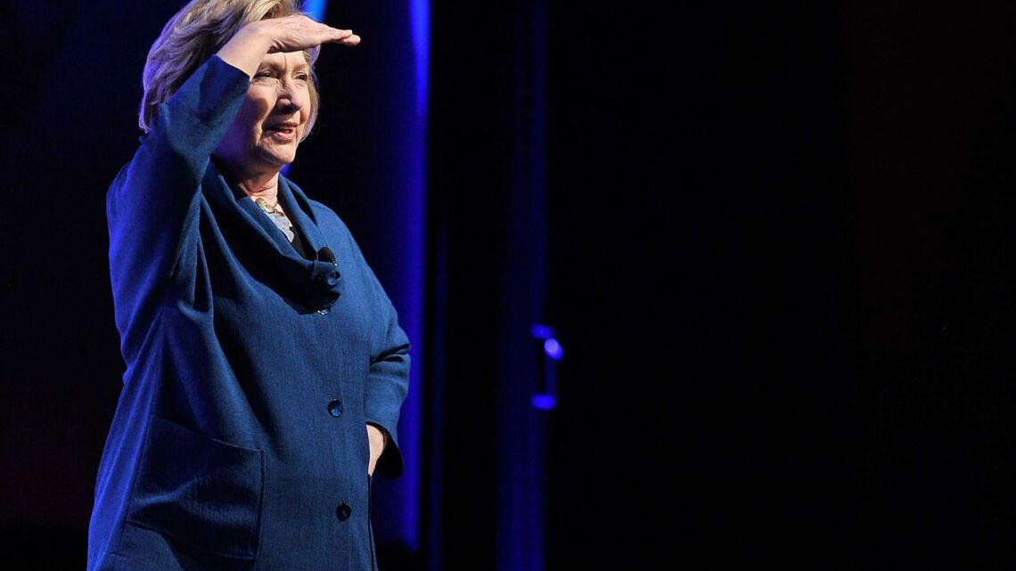 Vidéo – Attentat à la chaussure sur Hillary Clinton