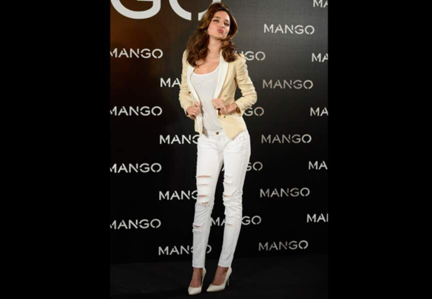 Miranda Kerr pose pour Mango