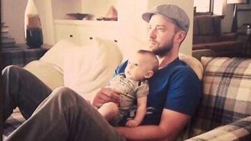 Silas Timberlake, sur les genoux du père Noël