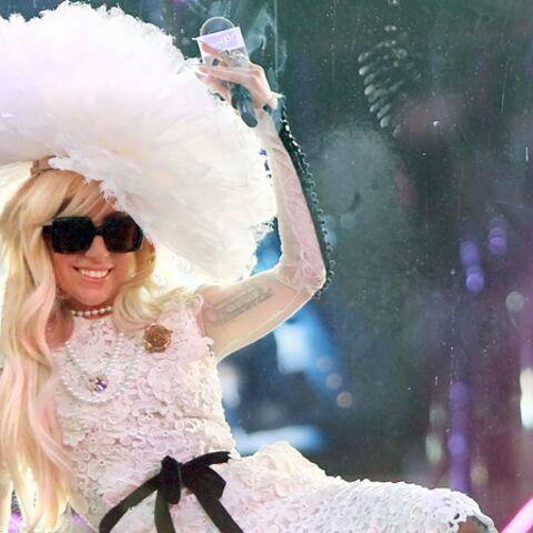 Lady Gaga remonte sur scène