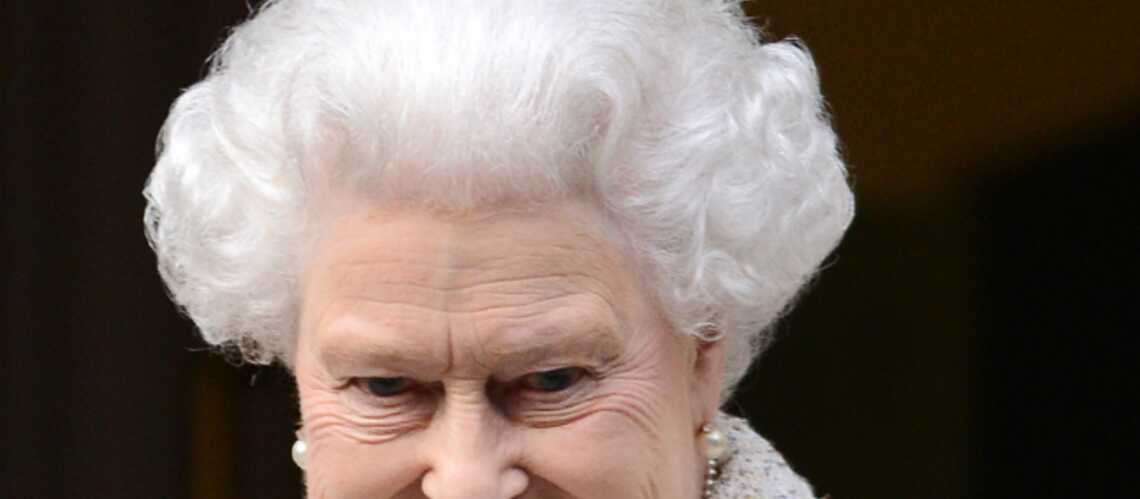Elizabeth II rend visite au prince Philip, toujours hospitalisé