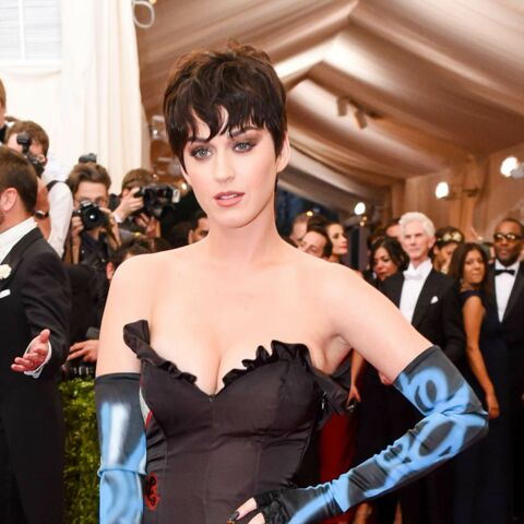 Katy Perry, bling et rebelle pour Moschino