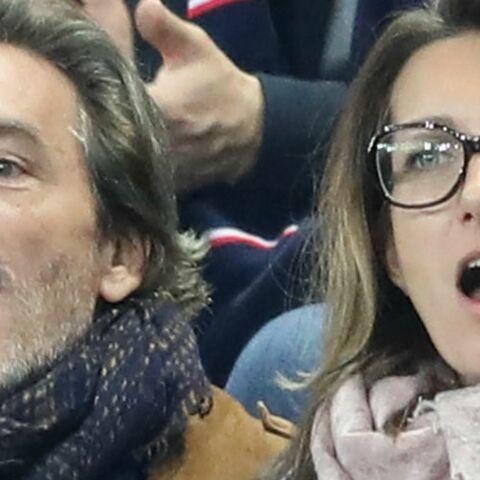 PHOTOS – Anne-Claire Coudray et son chéri Nicolas Vix enthousiastes et câlins pour la victoire des Bleus