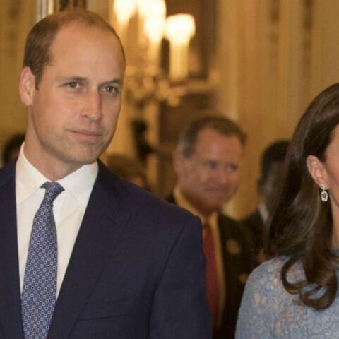 PHOTOS – Pour sa première sortie publique depuis l'annonce de sa grossesse, Kate Middleton portait une robe à 995 €