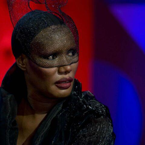 Photos – Grace Jones flingue Rihanna!