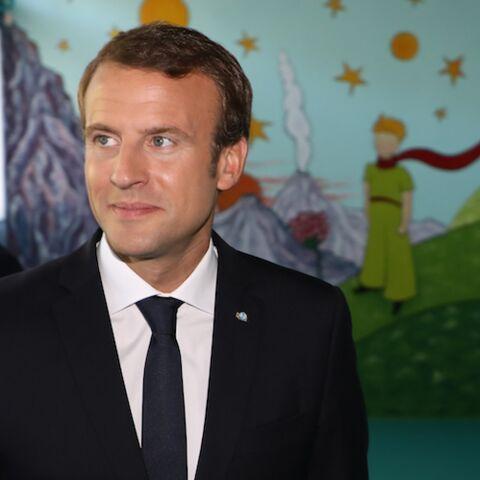 VIDÉO – un jeune fan d'Emmanuel Macron fond en larmes face au président