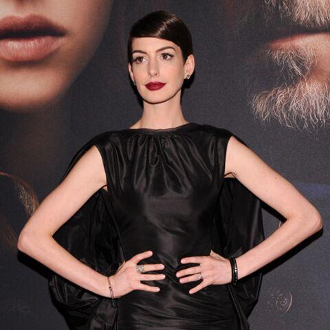 Anne Hathaway, une misérable sans culotte