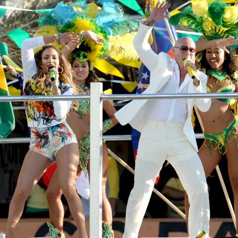 Jennifer Lopez se déhanche pour la coupe du monde de football