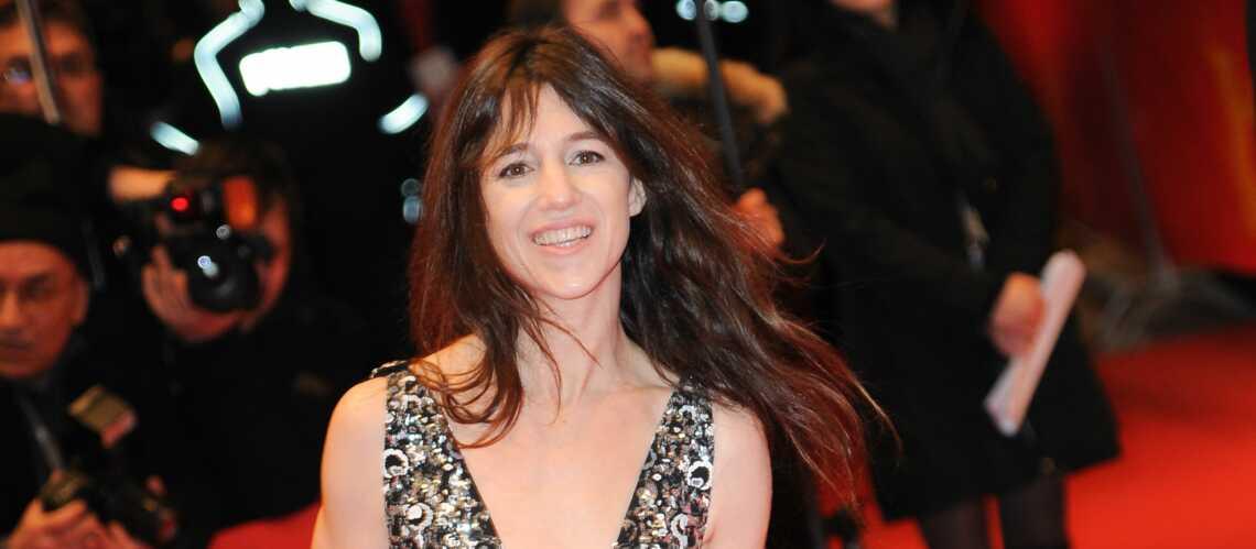 Charlotte Gainsbourg en robe fendue à Berlin