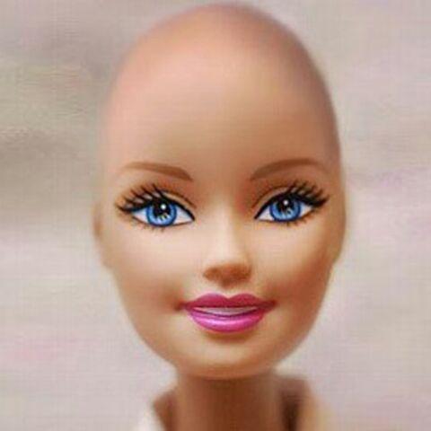 Barbie belle et chauve