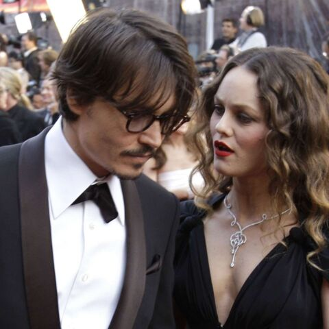 Vanessa Paradis garde un œil sur Johnny Depp