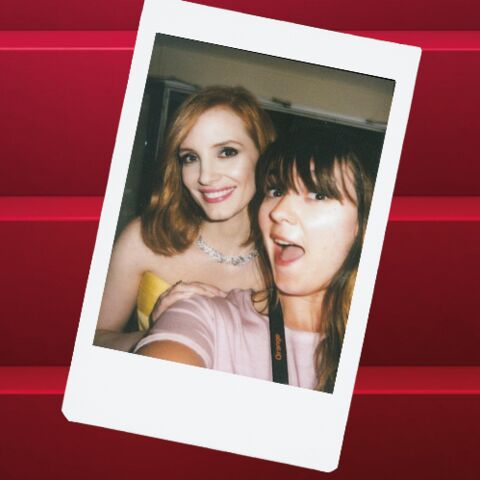 Cannes Backstage by Instax – Jessica Chastain, rousseur flamboyante