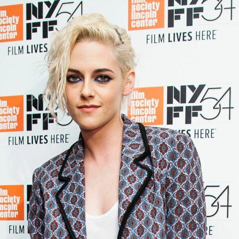 PHOTOS – L'art de porter le costume par Kristen Stewart