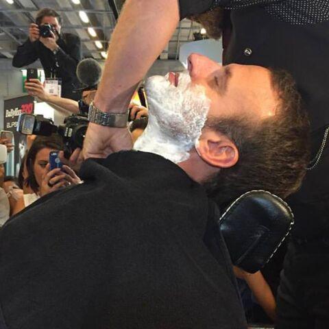 Emmanuel Macron au salon de la coiffure: la photo qui fait le buzz