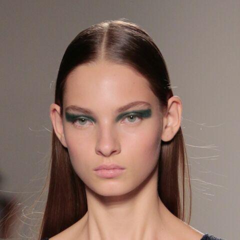 Tendances beauté – Smoky coloré pour Victoria Beckham