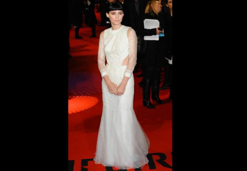 Rooney Mara, à tomber dans sa robe Givenchy