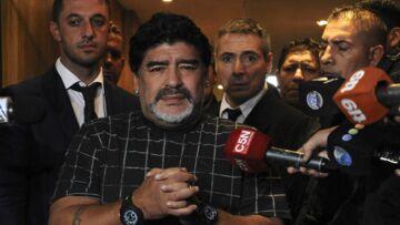 Diego Maradona provoque Michel Platini et Sepp Blatter