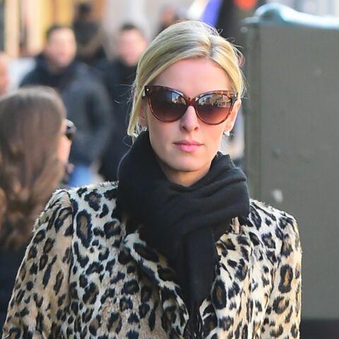On veut le manteau léopard de Nicky Hilton!