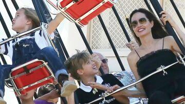PHOTOS – Angelina Jolie en vacances à Disneyland pour les 9 ans des jumeaux Vivienne et Knox