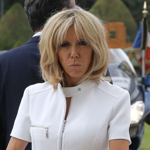PHOTOS – Brigitte Macron, très élégante en robe courte blanche aux Invalides avec le couple Trump