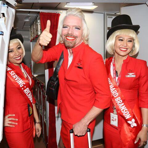 Richard Branson, hôtesse de l'air d'un jour