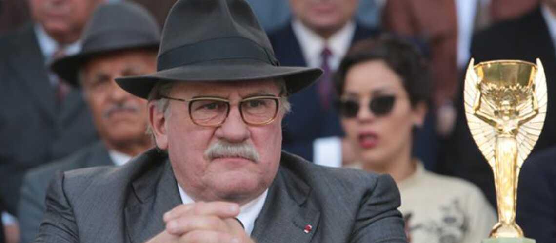Cannes 2014– Gérard Depardieu emmène la Coupe du Monde sur la Croisette