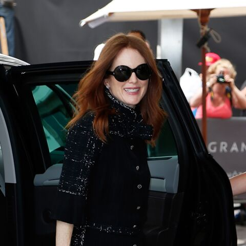 Julianne Moore, lady en noir