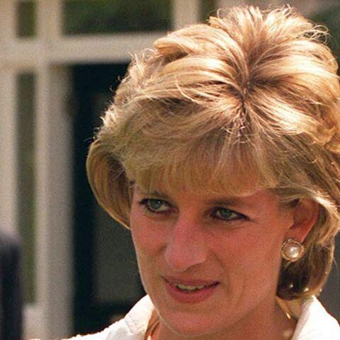 Soupçonné d'être le père du prince Harry, un ex-amant de Diana lève le secret