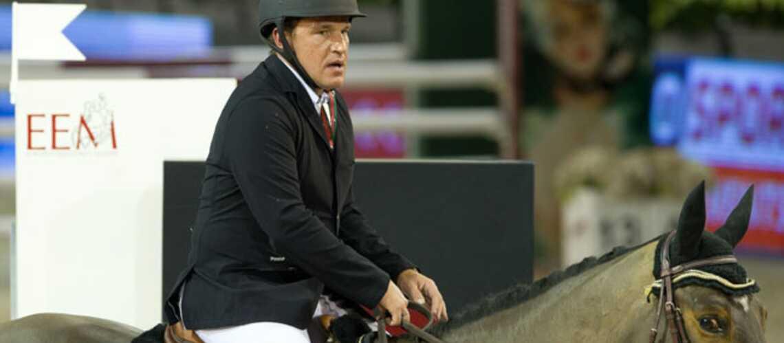 Benjamin Castaldi victime d'une chute de cheval