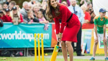 Photos – Princesse Kate: leçon de cricket en talons