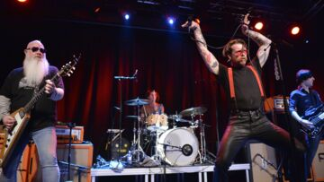 Les Eagles of Death Metal en mission divine