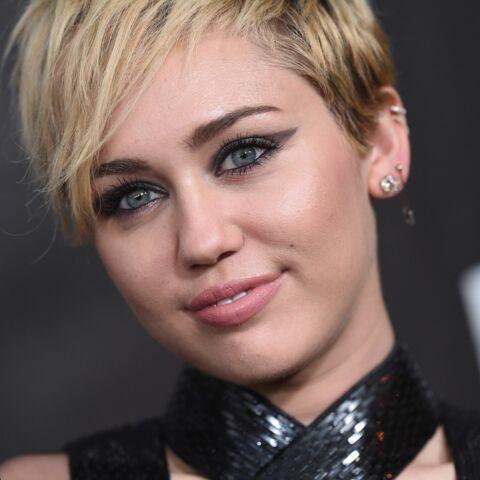 Miley Cyrus, dénudée, encore