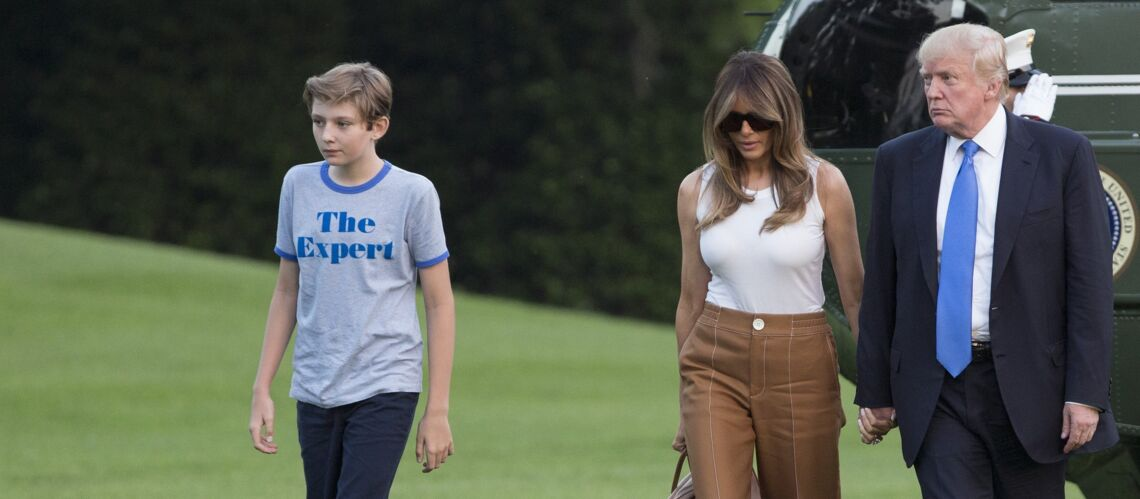 Barron Trump : le fils de Donald et Mela­nia Trump s'impro­vise icône de mode ? Son t-shirt rapi­de­ment sold-out