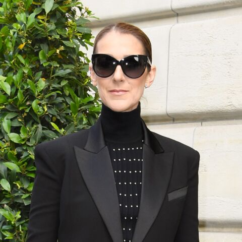 PHOTOS – Céline Dion: un look très original façon Matrix dans les rues de Paris