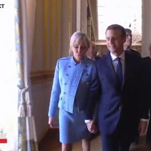PHOTOS – Brigitte Macron et Emmanuel: il lui a rendu son baiser du soir de la victoire