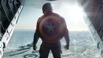 Captain America seul pour contre Batman et Superman