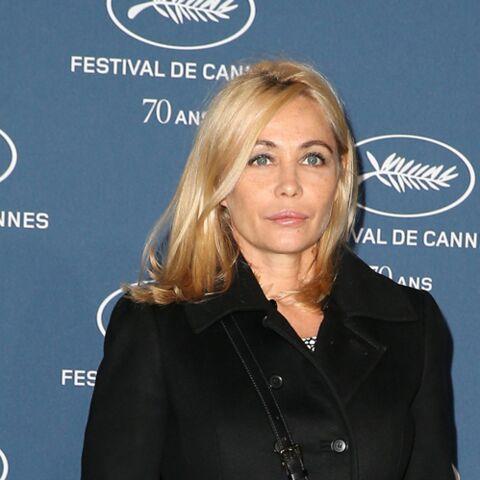 Emmanuelle Béart une actrice engagée: son appel au gouvernement pour aider les migrants à Calais
