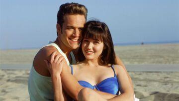 PHOTOS – Shannen Doherty soutenue par Luke Perry, l'amour de sa vie dans Beverly Hills