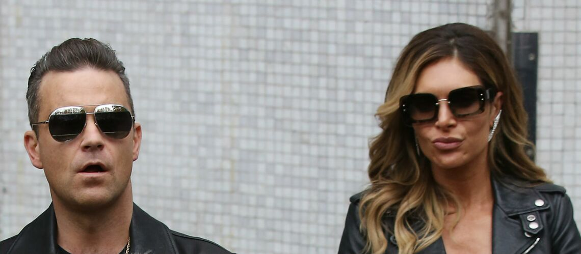 PHOTOS – Robbie Williams et son épouse Ayda, pépère et mémère à chiens