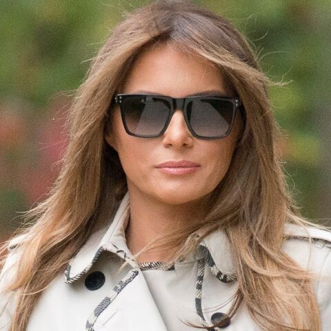 PHOTOS – Melania Trump : en trench, slim noir et ballerines, un rare look décontracté