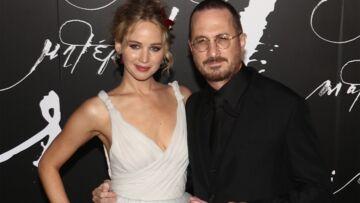 PHOTOS – Jennifer Lawrence pose avec son amoureux, Darren Aronofsky, réalisateur de Mother!