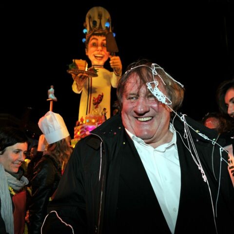 Photos- Gérard Depardieu extatique au carnaval de Nice