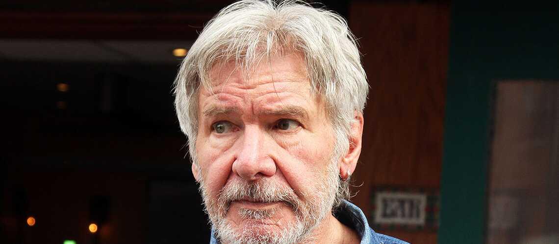 Harrison Ford, aux commandes de son avion, évite de justesse une catastrophe aérienne
